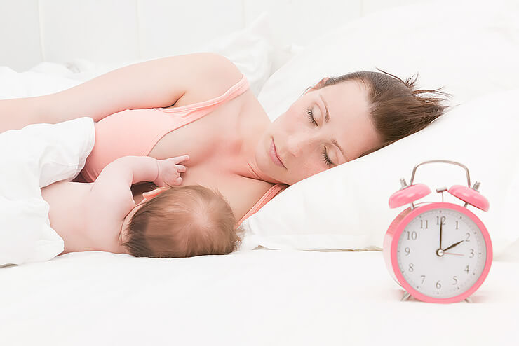 Wie oft sollte ich mein Baby stillen? Antworten auf unserem Baby-Blog Ernährung Stillzeit, Muttermilch, Dauer