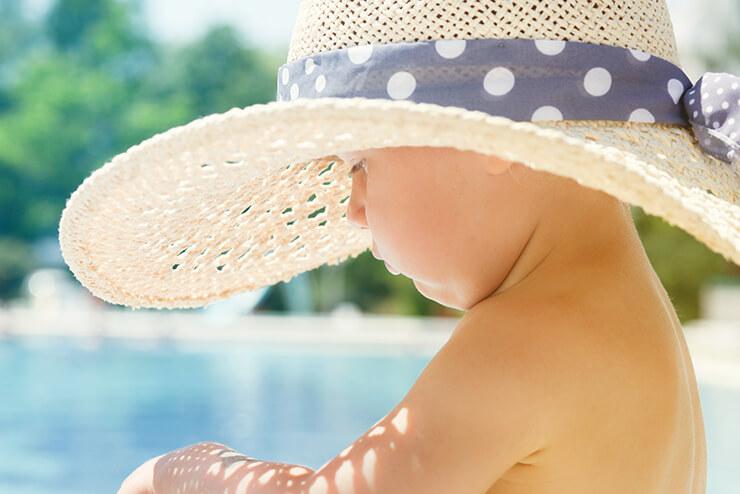 Sonnenbrand bei Babys: Was tun?